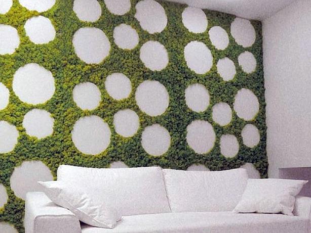 Mos tegen de muur in de woonkamer tuin en balkon for The living room channel 10 vertical garden