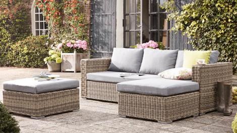 Rieten Balkon Meubels : Tips voor tuinmeubels: voordelen en nadelen van hout aluminium of