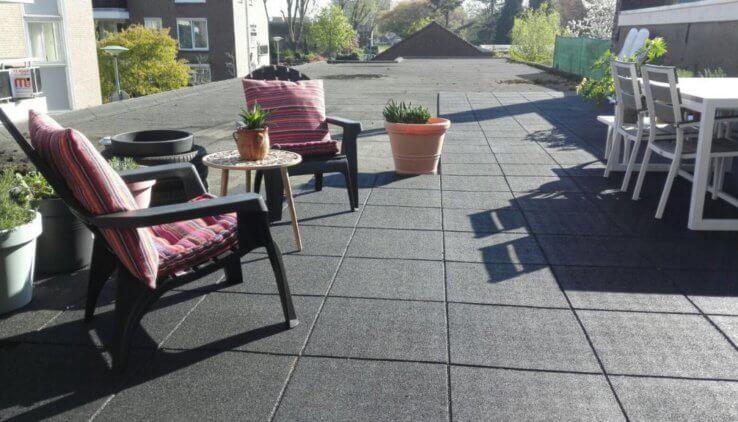 Kunststof Tegels Tuin.De Beste Nieuwe Vloer Voor Je Dakterras Tuin En Balkon