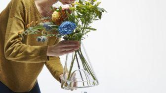 Check deze bizar mooie Bell Jar vaas van ontwerpduo