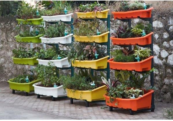 Tuinieren Op Balkon : Tuinieren op elk balkon of andere kleine ruimte met deze verticale