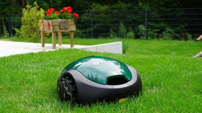 robomowrx20-robot-grasmaaier-kleine-tuin-voordelig